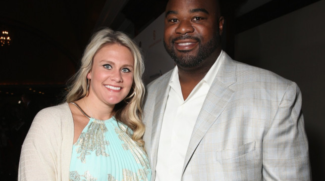 CENTURY CITY, CA - MAY 31:  Albert Haynesworth (R) and Brittany Jackson arrive on the red carpet at the 2015 Cedars-Sinai Sports Spectacular at the Hyatt Regency Century Plaza on May 31, 2015 in Century City, California.  (Photo by Todd Williamson/Getty Images for Sports Spectacular)